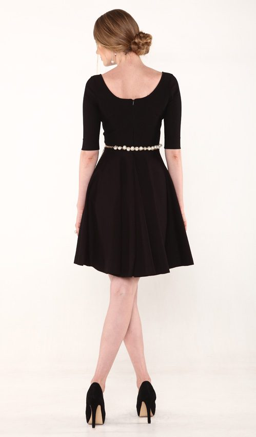 2a_InstantSlimming_classicBlackDress_back_belt